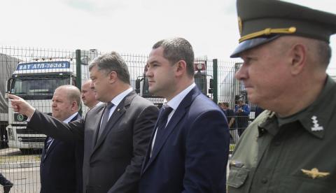 Poroşenko, Avrupa'ya açılan sınır kapısını teftiş etti