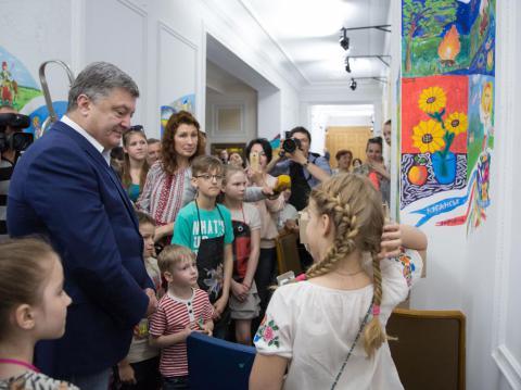 [FOTO GALERİ] Poroşenko, Uluslararası Çocuk Bayramı hazırlıklarına katıldı