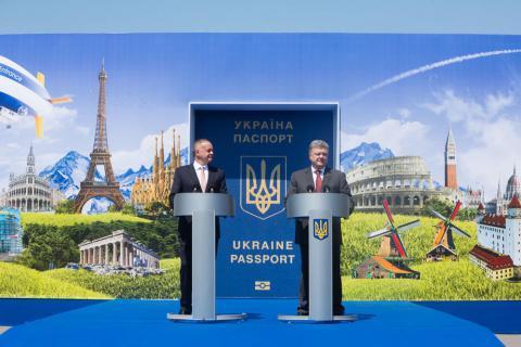 [FOTO GALERİ] Poroşenko, Ukraynalılara AB'nin kapısını açtı